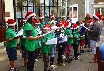Carol singing, Jamestown