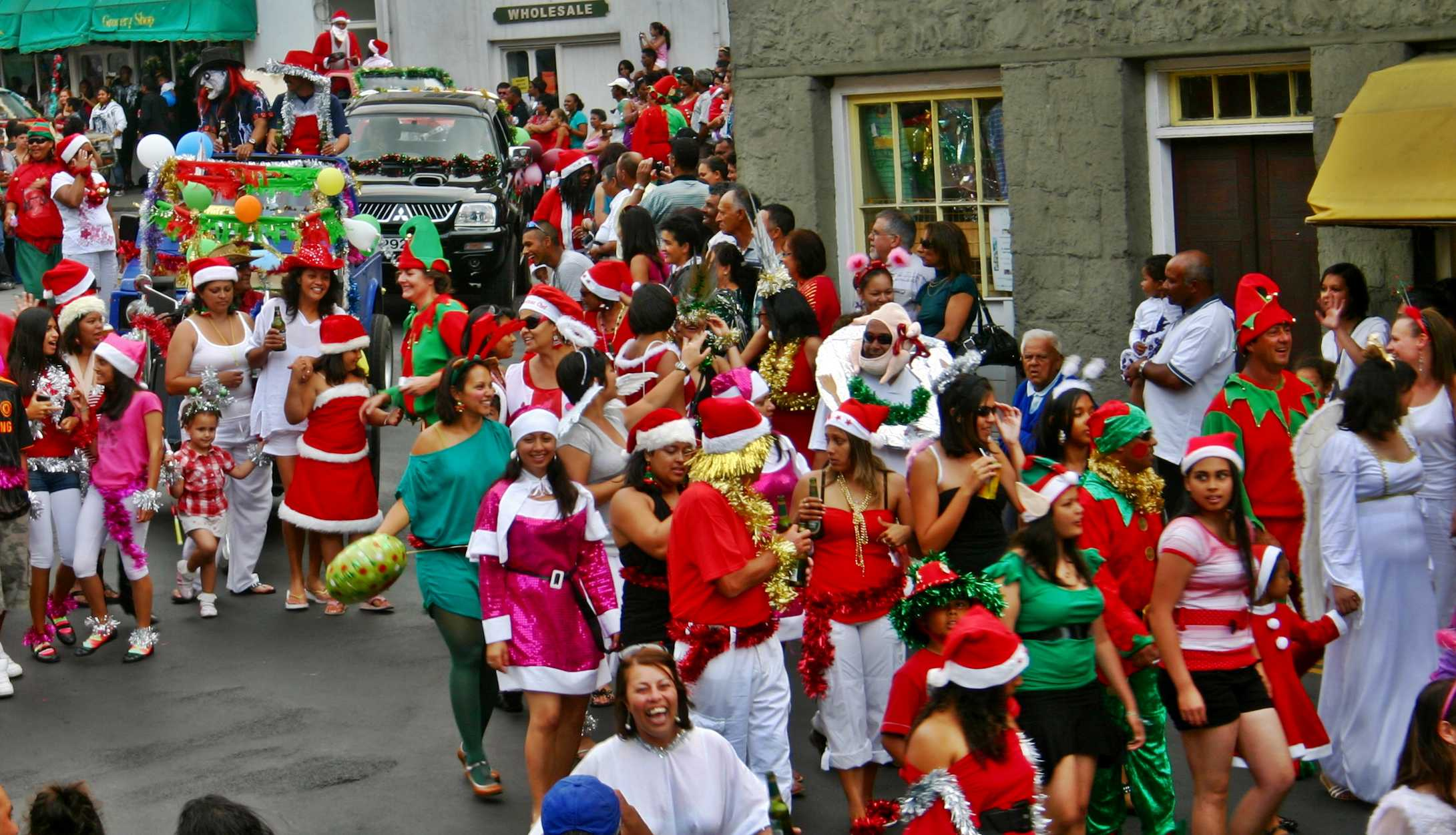 Christmas-Eve Parade Jamestown Saint Helena Island Info Picture Gallery