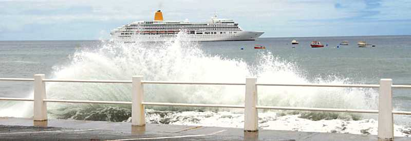 Cruise ship with heavy seas Saint Helena Island Info Cruise Ship Days