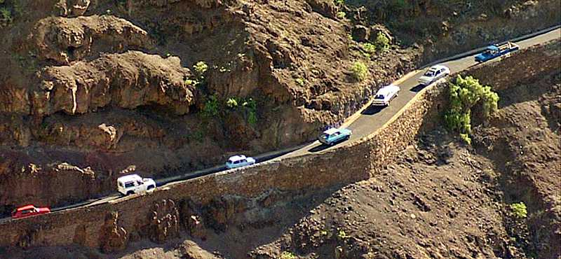 Descending traffic gives way Saint Helena Island Info Driving in St Helena