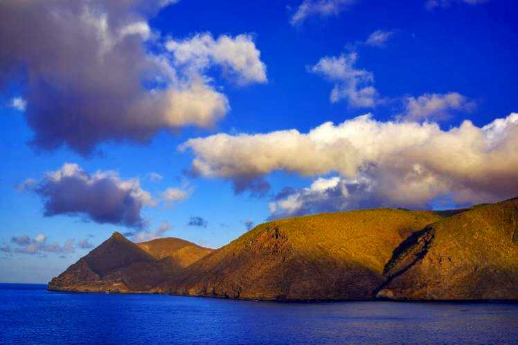 The island of St Helena: 1,200 miles from Africa, 1,800 miles from South America [Saint Helena Island Info:Read articles about St Helena (Older)]
