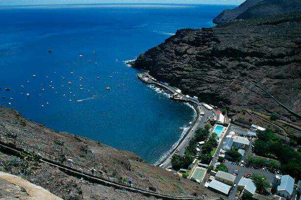 Community: View over James Bay and Jamestown waterfront [Saint Helena Island Info:Read articles about St Helena (Older)]