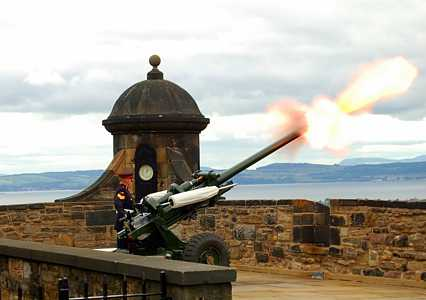 Edinburgh's 1pm Gun [Saint Helena Island Info:Time]