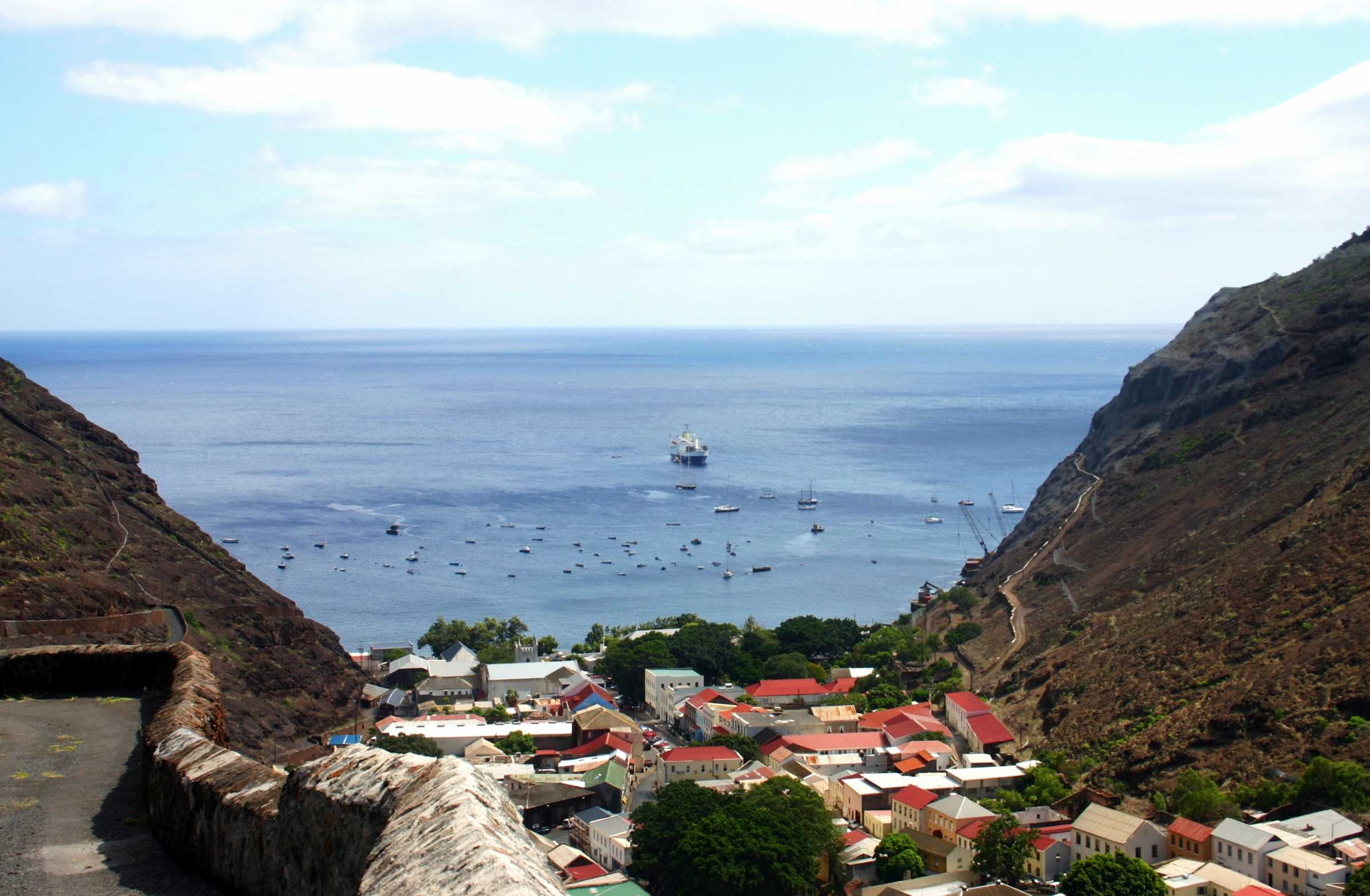 saint helena island men The island of saint helena is administratively divided into eight districts, each with a community centre the districts also serve as statistical subdivisions the island is a single electoral area, sending twelve representatives to the legislative council.